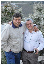 El Catedrático Antonio Fernández (i) y el profesor Giovanni Di Guardo, de la Universidad de Téramo