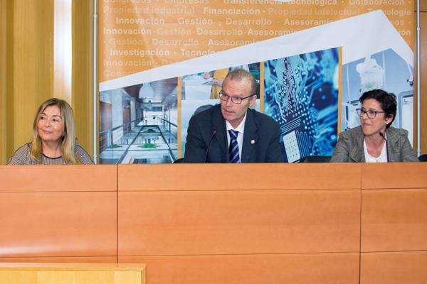 Imagen de la inauguración de la jornada, presidida por el Vicerrector de Investigación, Desarrollo e Innovación