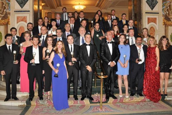 Foto de familia de los galardonados, entre ellos el Decano de la Facultad de Ciencias del Mar