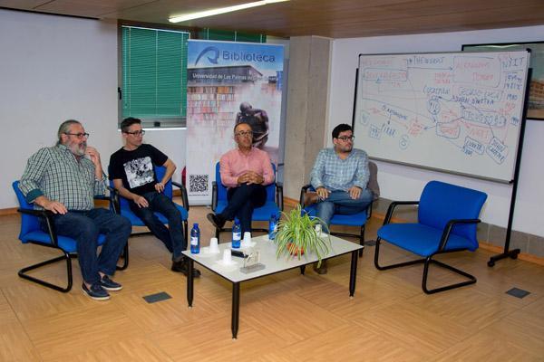 Mesa redonda celebrada en el Edificio Central de la Biblioteca Universitaria