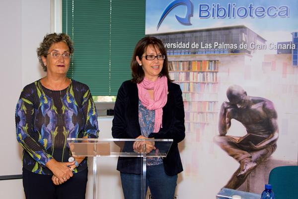 Imagen de la inauguración del acto conmemorativo en la Biblioteca Central, a cargo de la Directora de la Biblioteca (i) y la Vicerrectora de Cultura y Sociedad