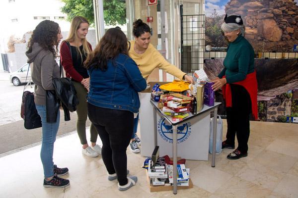 Recogidos 78 kilos de dulces navide os con destino al banco de alimentos de las palmas ulpgc - Banco de alimentos de las palmas ...