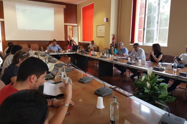 Otra imagen del Consejo de Gobierno universitario