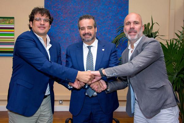 De izda. a dcha.: Walter Intriago, el Rector Robaina y Antonio Marcelino Santana