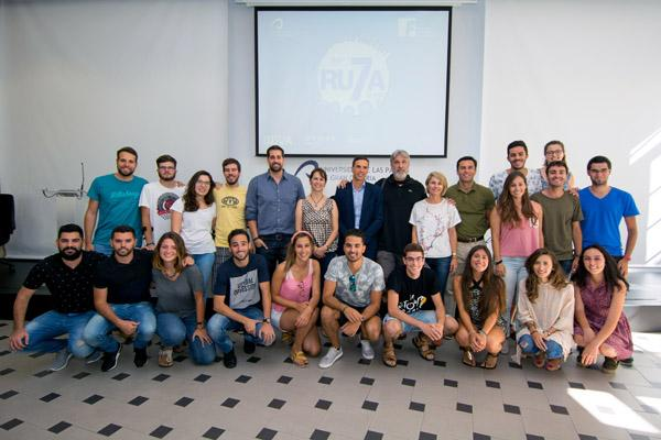Foto de familia de los organizadores y participantes de la edición 2017