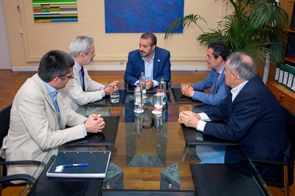 Otra imagen de la reunión celebrada en la Sede Instiucional de la ULPGC