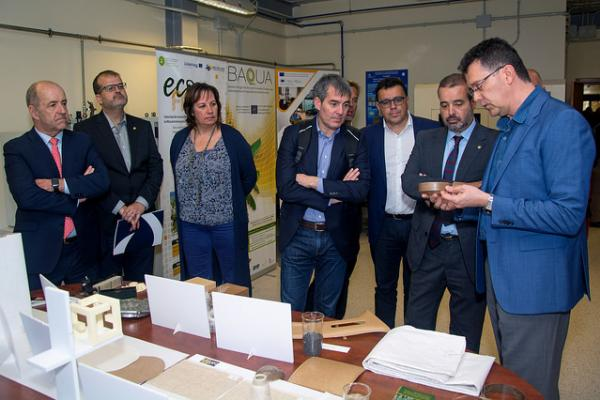 La delegación del equipo del Gobierno de Canarias, presidida por Fernando Clavijo  y acompañada por el Rector y el Vicerrector