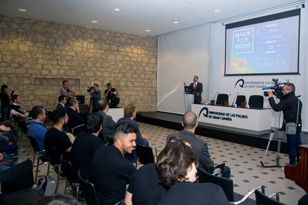 Otra imagen del acto de presentación, que fue inaugurado por el Rector Robaina
