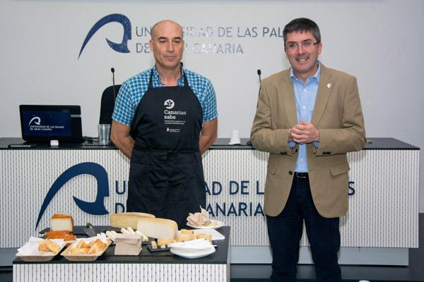 El maestro quesero Isidoro Jiménez y el Vicerrector Richard Clouet
