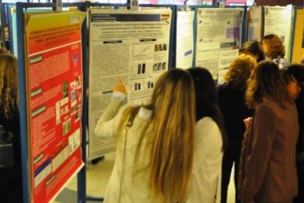 Imagen de archivo del congreso de Trabajos de Fin de Grado de estudiantes de Medicina