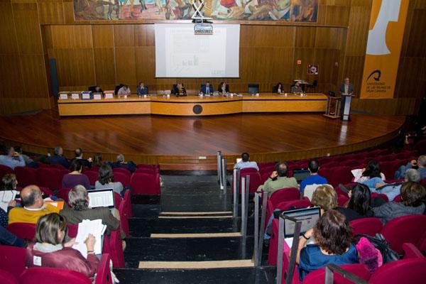 Imagen de la sesión del Claustro en el Paraninfo universitario