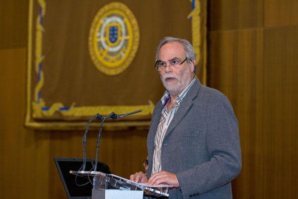 El Defensor Universitario, Francisco Ortega, durante la lectura de su informe