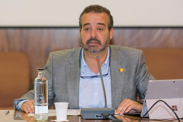 La sesión estuvo presidida por el Rector Rafael Robaina
