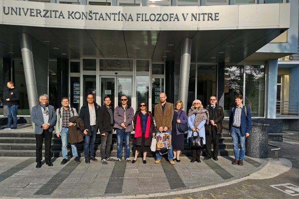 Foto de grupo de los participantes en la reunión de lanzamiento