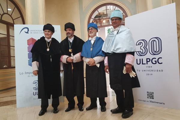 Imagen de los cuatro rectores de la ULPGC durante sus 30 años de existencia