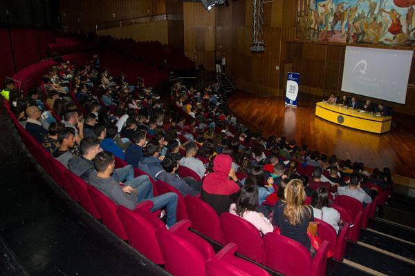 Imagen de las charlas informativas sobre el Curso 2019/2020 en el Paraninfo universitario